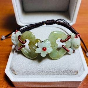 Hand carved and knitted jade bracelet